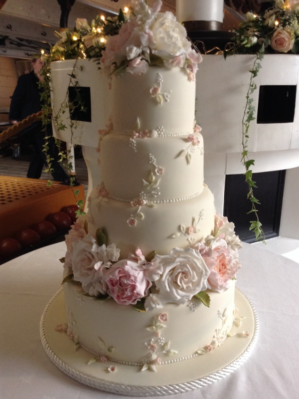 Sugar Rose Cake Design : Wedding Cakes Archive Tartufi Cakes
