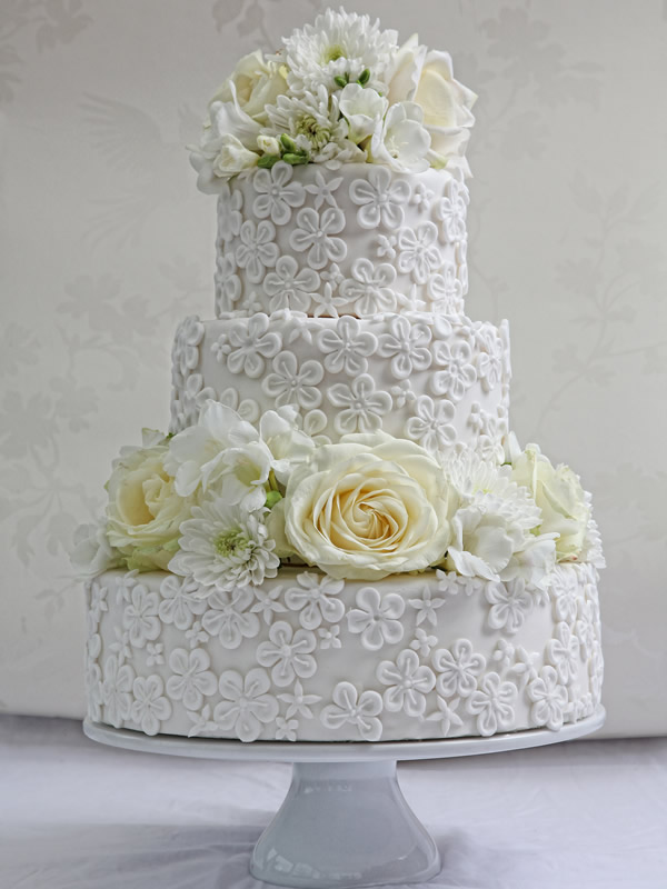 Wedding Cakes With Lace Effect