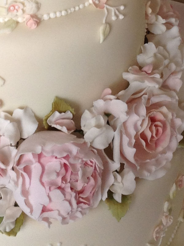how to make sugar roses for wedding cakes sugar flowers 15999